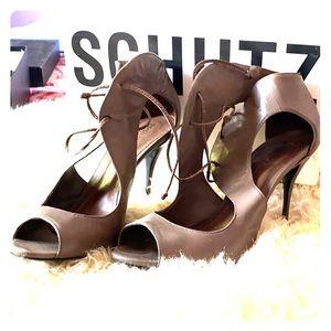 Schutz kamara open toe sandal size 10 - gray